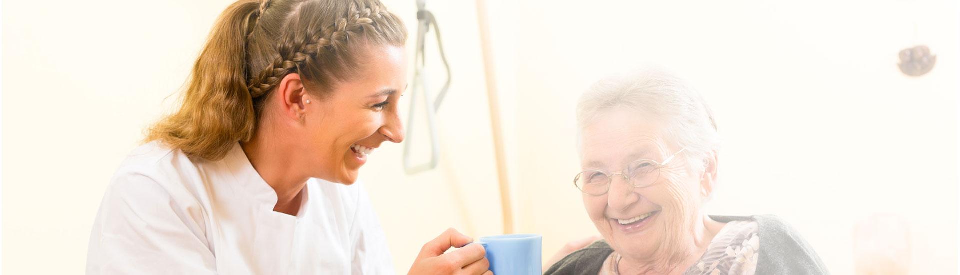 Pflegebasiskurs Weiterbildung zum Pflegehelfer an der Vividus Akademie in Berlin