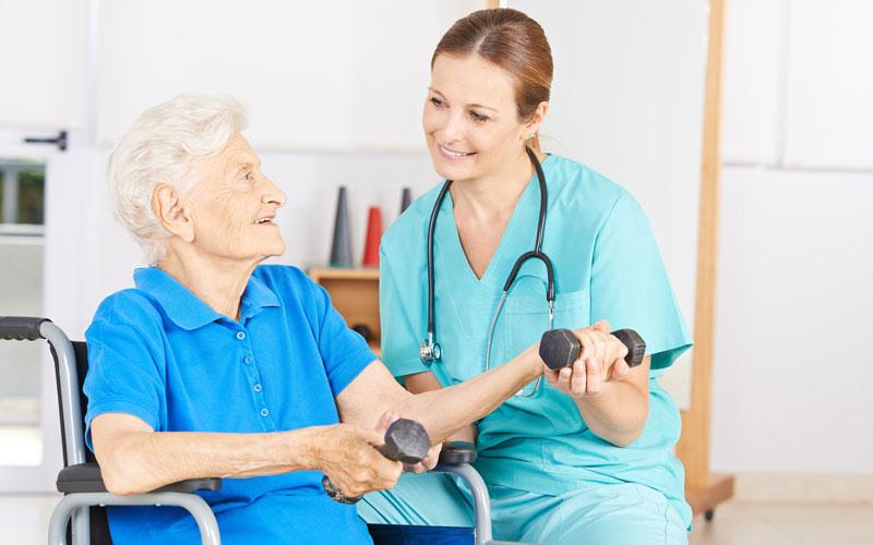 Pflegebasiskurs und Weiterbildung zur Betreuungskraft an der Vividus Akademie in Berlin